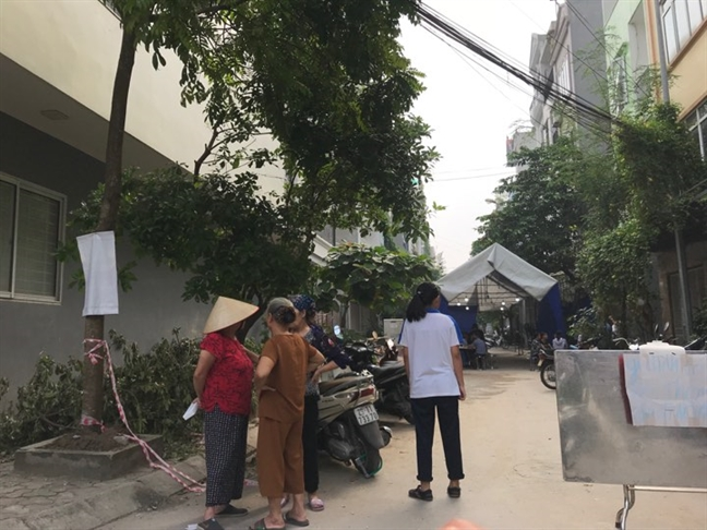 Vu chong giet vo trong bua com: Hai vo chong da ly than nhieu nam