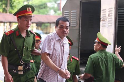 An ninh nghiêm ngặt, hoãn phiên tòa xử vụ sửa điểm thi ở Hà Giang