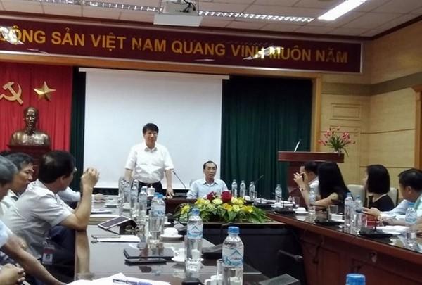 Trieu tap Thu truong Bo Y te Truong Quoc Cuong den phien xu VN Pharma
