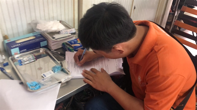 'Chua bao gio viec xet nghiem HIV lai de dang den the'