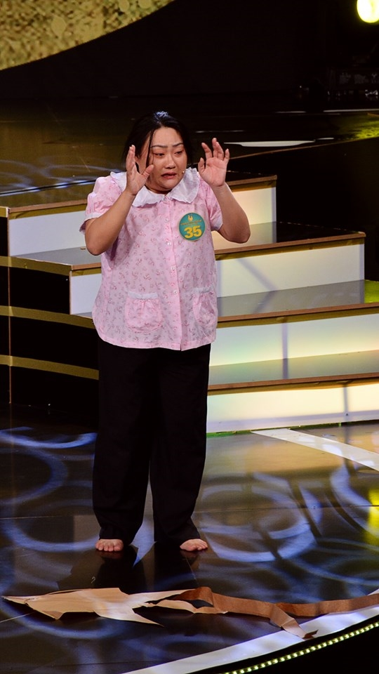 NSND Minh Vuong noi gi ve viec cham thi ca vong co nhung chu trong nhan sac thay vi giong ca?