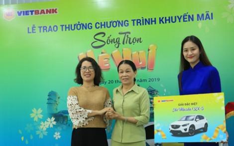 Vietbank trao thưởng xe Mazda cho khách hàng gửi tiết kiệm