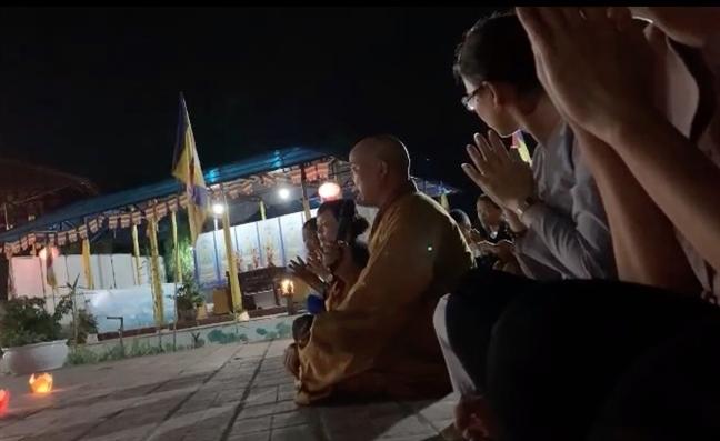 Vu su tru tri 'ga tinh' phong vien: Giao hoi Phat giao Viet Nam khan truong xac minh