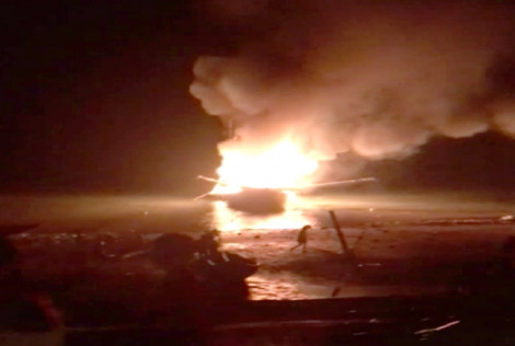 Thuyền cá nổ như bom giữa đêm, 3 người chết và mất tích