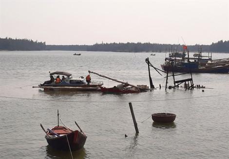 Vụ nổ tàu cá làm 8 người thương vong: tìm thấy thi thể nạn nhân mất tích
