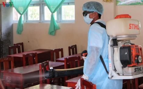Kỳ lạ 74 học sinh ở Cà Mau đang học bỗng chóng mặt, nhức đầu, sốt
