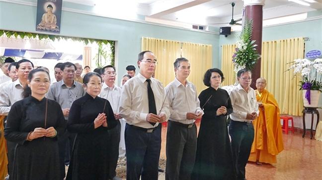 Ni truong Thich nu Ngoat Lien tru tri Tinh xa Ngoc Phuong:  Ve coi Phat...