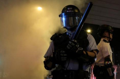 Bà Carrie Lam khen ngợi cảnh sát nhưng cảnh báo còn 'cả hành trình dài' phía trước