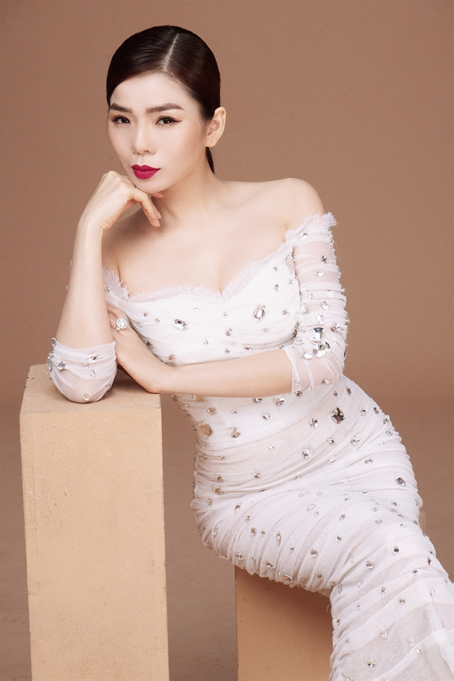 Le Quyen nhu gai 20 truoc liveshow 'de doi'