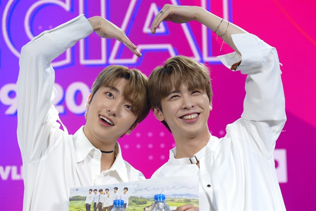 G-Friend, Snuper lien tuc cam on nguoi ham mo