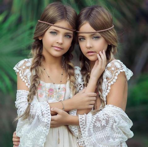 Tan chảy trước vẻ đáng yêu của cặp song sinh đẹp nhất thế giới