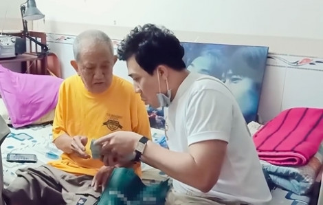 Nghệ sĩ Mạc Can giật mình khi Trấn Thành tặng nhiều tiền