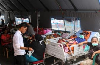 Hơn 200.000 người Indonesia chưa thể trở về nhà vì lo sợ động đất