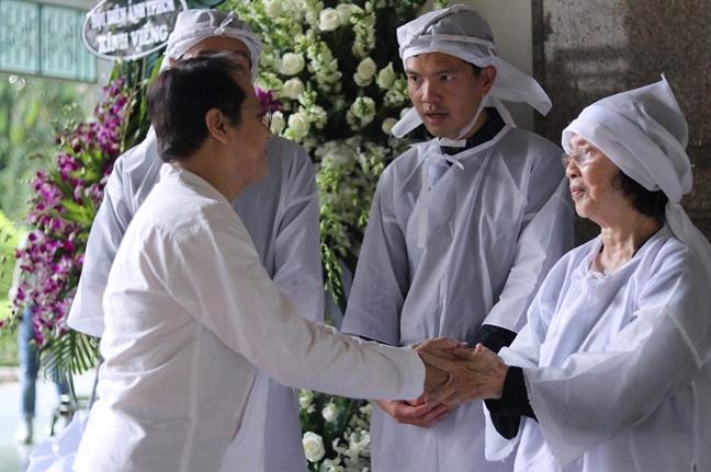 NSND Lan Huong, NSND Tra Giang viet gi trong so tang co NSND The Anh?