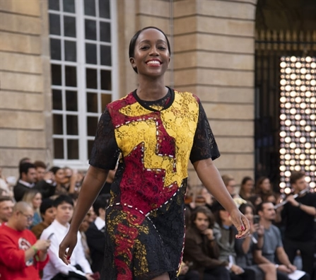 Dàn mỹ nhan 'khủng' họi ngọ tại sàn diẽn doc dao cua Tuan le Thoi trang Paris