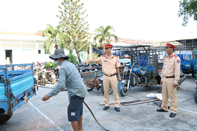 Can canh hang tram phuong tien giao thong vi pham bi huy thanh phe lieu