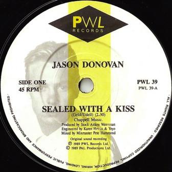'Sealed with a kiss' - Nụ hôn thay đổi cuộc đời