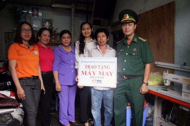 Lan toa thong diep 'Hanh phuc khong chi la nhan ma con la cho di'