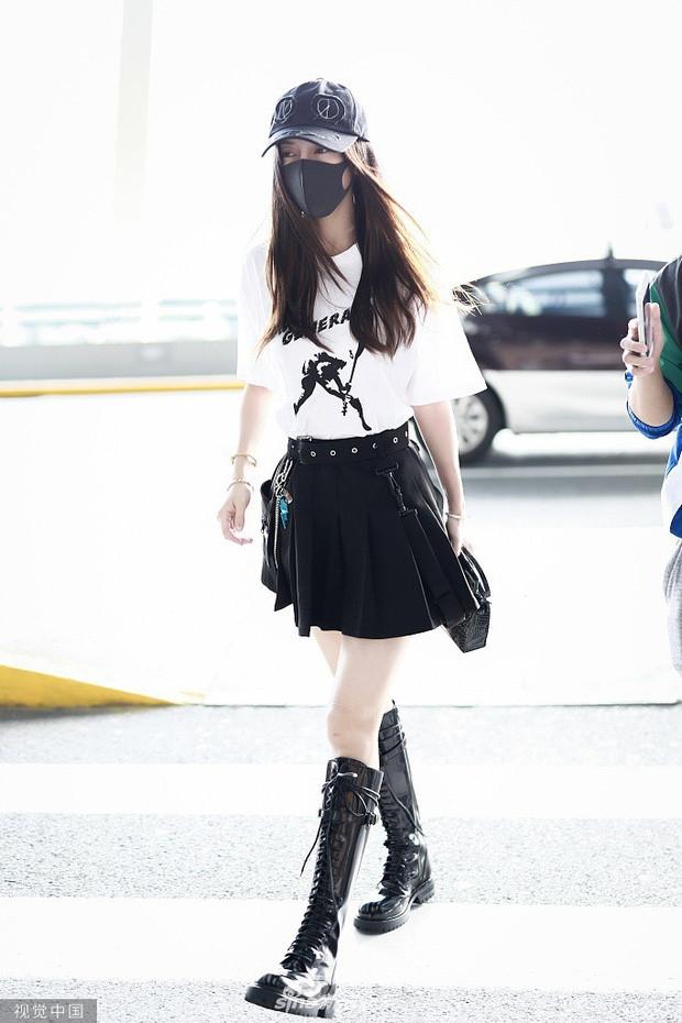 Angelababy suyt vo ech tren tham do LHP Busan