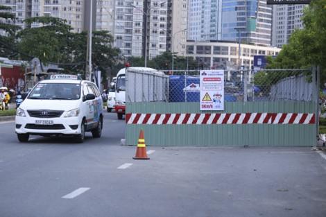 Vì sao giao thông ùn tắc dưới chân cầu Sài Gòn chiều nay?