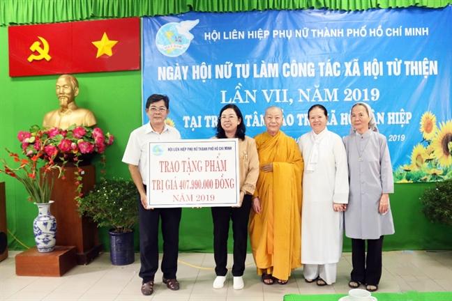 Ngay hoi 'Nu tu thanh pho lam cong tac xa hoi tu thien': Minh chung sinh dong cho tu tuong nhap the tich cuc
