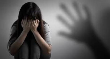 Tạm giữ bảo bảo vệ nghi xâm hại nữ sinh lớp Sáu ngay tại trường