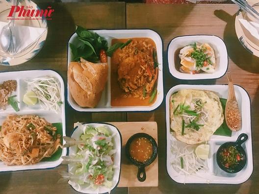 'An com uong nuoc' voi mon vi Thai tai quan nho dang yeu nay