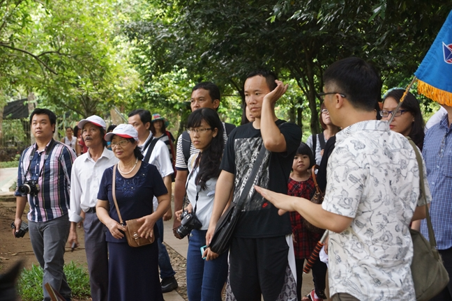 Tour Giang sinh, tour Tet... 'bung hang' sau cong bo lich nghi tet Nguyen dan