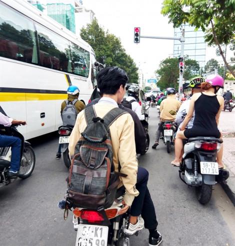 Học sinh bị kỷ luật do vi phạm luật giao thông: Cần phạt nặng  phụ huynh