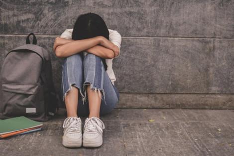 Vấn nạn tình cũ: Người lớn làm ơn tỉnh táo