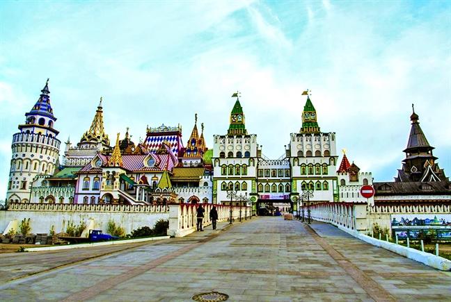 Ban oi, di voi toi ve Moscow...