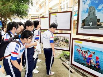 Bằng giáo dục, Trung Quốc đã áp dụng triệt để chiêu trò 'lộng giả thành chân'