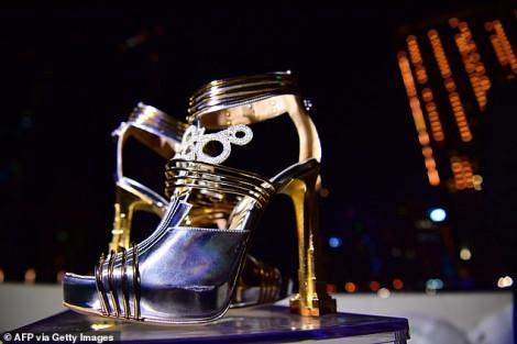 Giày cao gót giá gần 20 triệu USD vừa được ra mắt tại Dubai