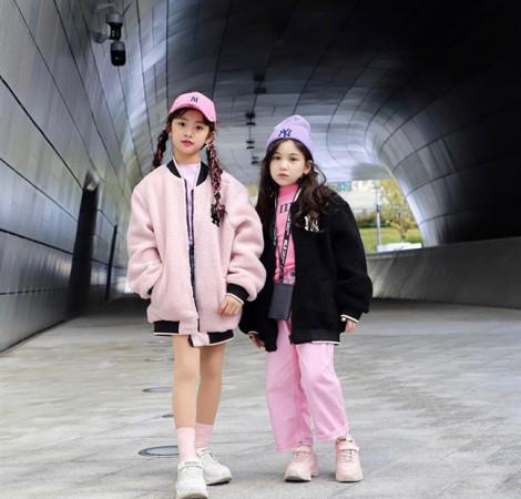 Tín đồ thời trang nhí đáng yêu tại 'Seoul Fashion Week 2019'