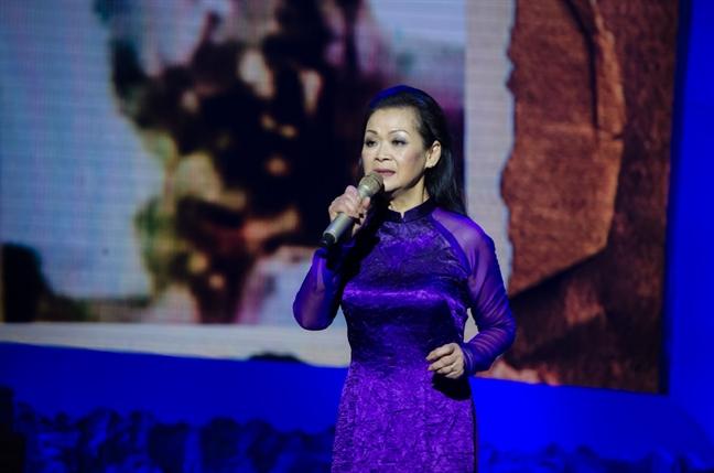Khanh Ly: 'Toi chiu on Trinh Cong Son qua nhieu'