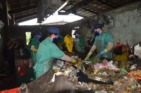 Lại phát hiện xác thai nhi trong nhà máy rác Cà Mau