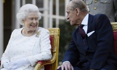 Ngày trọng đại, chồng nữ chính khách tặng quà gì cho vợ?