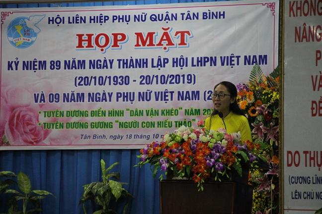 Quan Tan Binh 'boi thu' heo dat cham lo cho phu nu ngheo