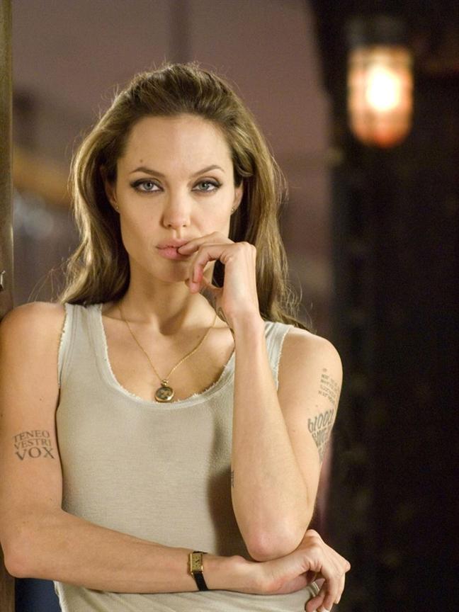 Nhin lai 28 nam hanh trinh nhan sac cua 'nang Maleficent' - Angelina Jolie