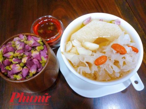 Lê hầm bách hợp – chè dưỡng phế định tâm – món nên ăn trong những ngày Sài Gòn ô nhiễm bụi mù