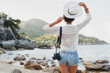 Du lịch một mình dễ có tình một đêm?