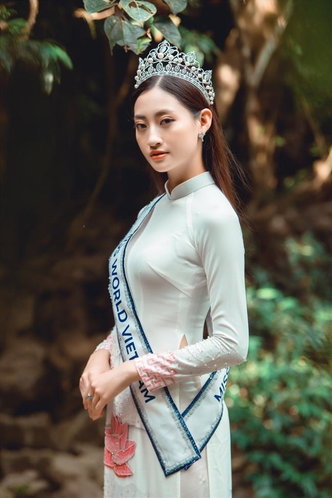 Hoa hau Luong Thuy Linh lam Dai su hinh anh Festival hoa Da Lat