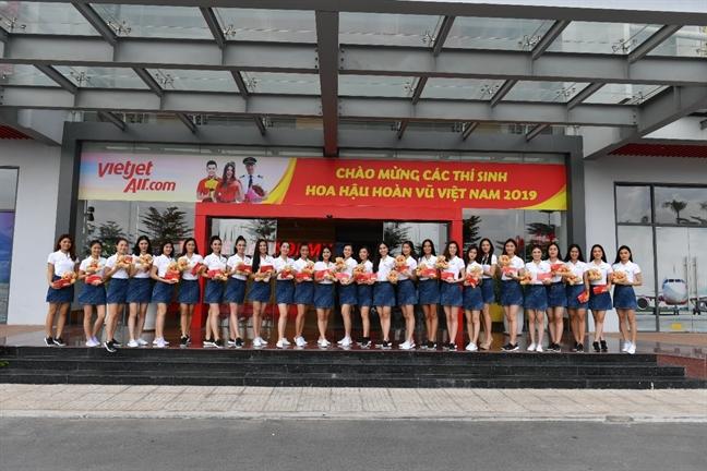 Tim hieu ve nghe tiep vien hang khong cung thi sinh Hoa hau Hoan vu Viet Nam 2019