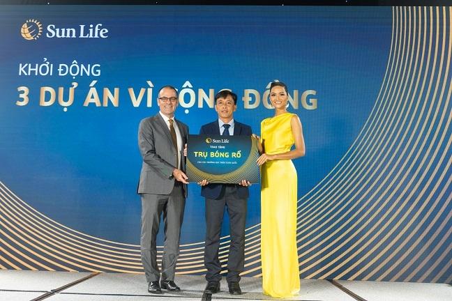Sun Life Viet Nam cong bo Hoa hau H'Hen Nie la dai su thuong hieu