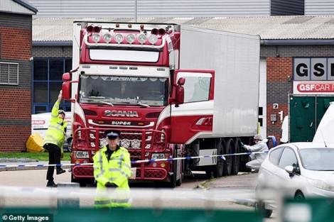 Chuyến hành trình cuối cùng của chiếc container chở 39 người di cư thiệt mạng