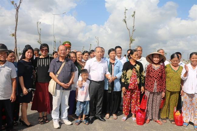 Chu tich Thua Thien Hue: 'Se khong de nguoi dan nao bi bo lai phia sau trong cuoc di dan lich su nay'