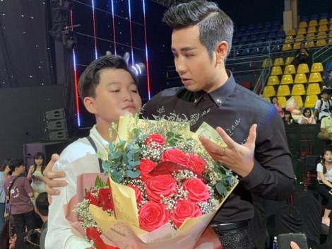 MC Nguyên Khang công bố nhầm kết quả Giọng hát Việt nhí