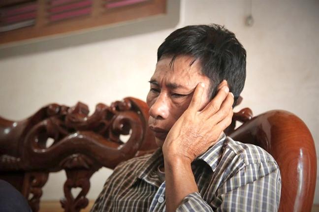The chap 2 so do de lam 'lo phi' cho hanh trinh sang Anh cua con trai
