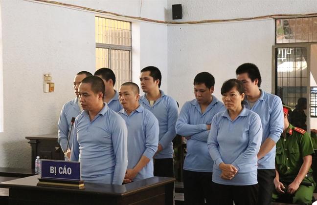 21 nam tu cho nu bi cao trong vu no sung lam 8 nguoi thuong vong