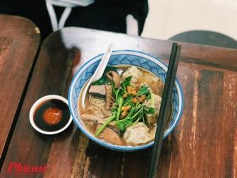 Lạc vào quán ăn trong phim TVB với món mì lòng bò độc đáo